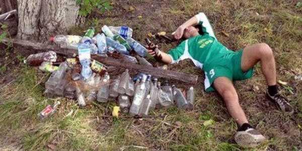 Пил до запоя, алкогольное непотребстово