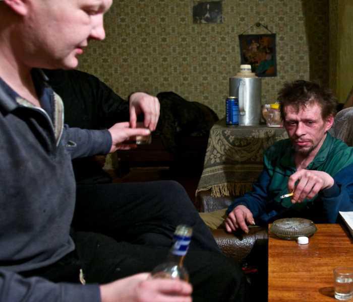 алкогольный образ жизни на примере мужчин